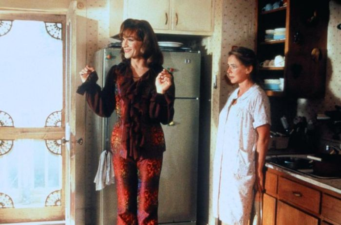 Stockard Channing: frumpy housewife.