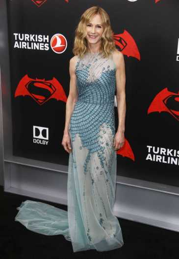 Holly Hunter Premiere.jpg